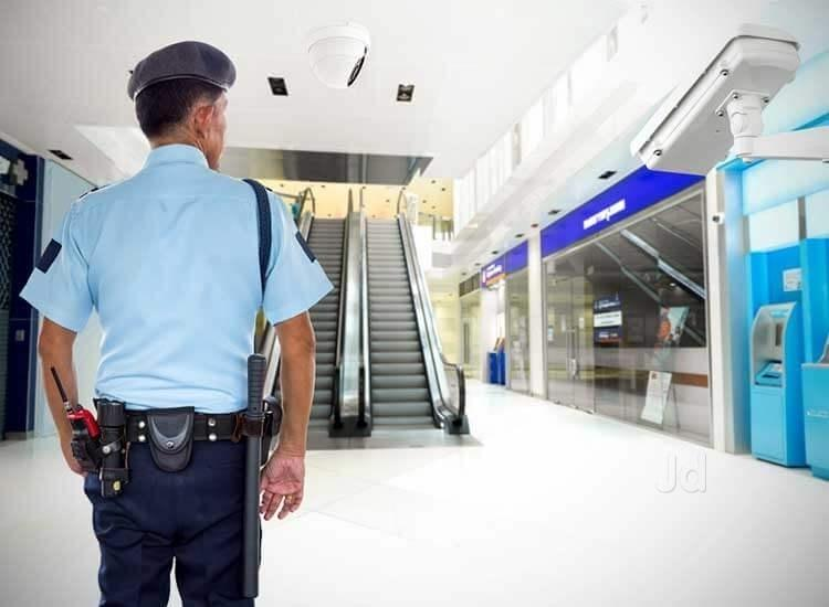 Things to Consider Before Hiring a Security Guard Service