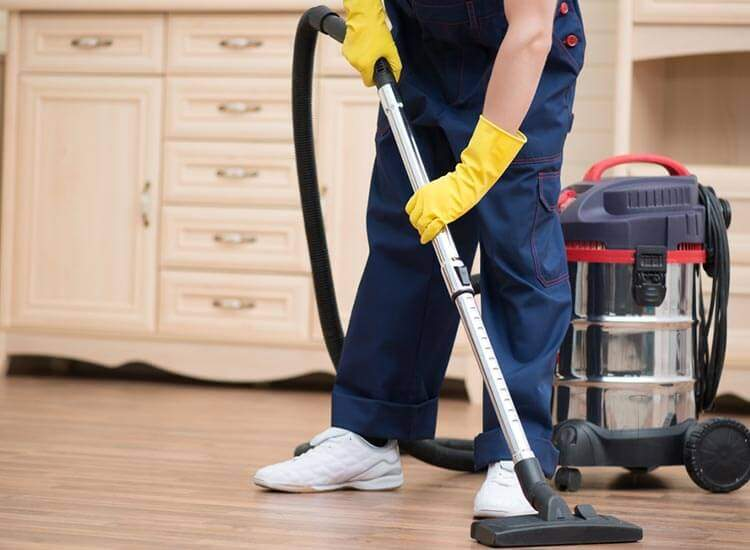 Let the Best Pressure Cleaning Company Manage Your Property